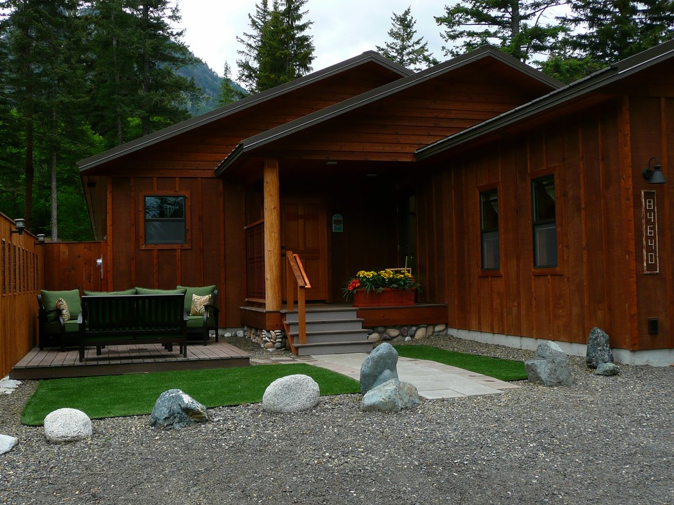 Exterior Pictures of McCully's Mountain House - cabin for rent ... on lake house deck designs, beach house deck designs, ranch house deck designs,